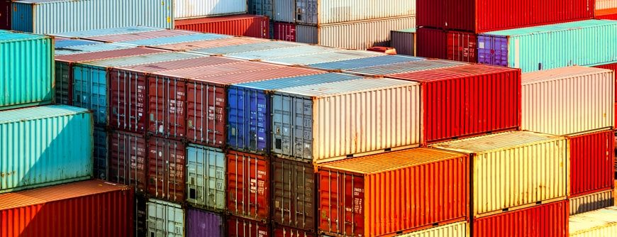 A Look at Containers and Virtual Machines and Their Tradeoffs